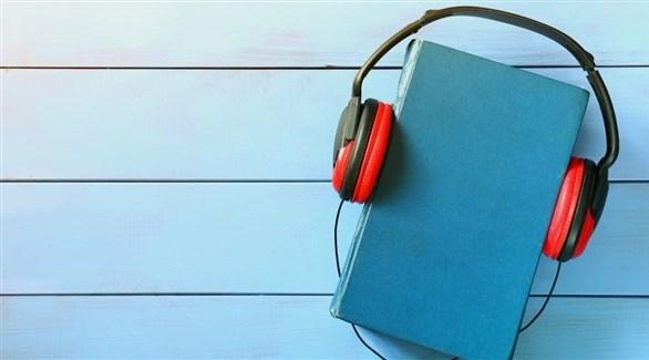 الاستماع للكتب في السيارة